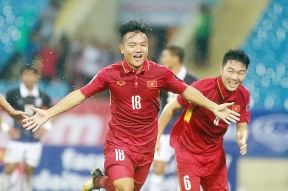 """Công Phượng """"nổ súng"""" giúp Việt Nam ngược dòng đánh bại Seoul FC ảnh 1"""