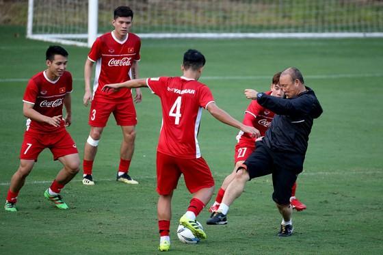 Việt Nam tiếp tục đứng đầu Đông Nam Á trên bảng xếp hạng FIFA tháng 10/2018 ảnh 1