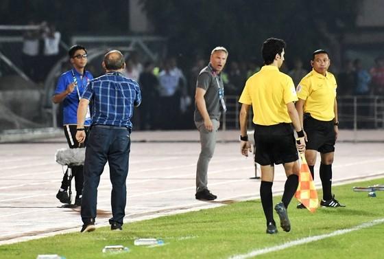 HLV Park Hang-seo tức giận vì Văn Toàn bị từ chối bàn thắng ảnh 1