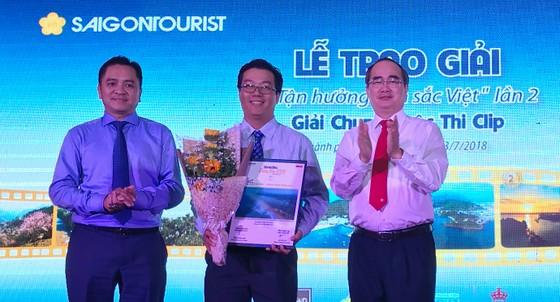 """Saigontourist trao giải và công bố sách ảnh """"Tận hưởng bản sắc Việt"""" lần 2 ảnh 1"""
