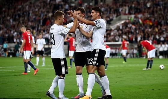 Vòng loại World Cup 2018 (khu vực châu Âu): Anh, Đức vững bước ảnh 2