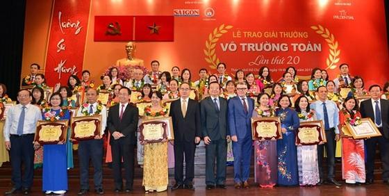 Giải thưởng Võ Trường Toản lần thứ 20 năm 2017: Tôn vinh 40 thầy, cô giáo tiêu biểu của TPHCM ảnh 1