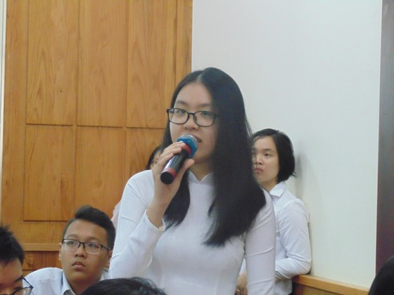 Lãnh đạo Sở GD-ĐT TPHCM đối thoại với 110 học sinh tiêu biểu của thành phố ảnh 1