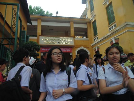 Kết thúc ngày thi đầu tiên tuyển sinh lớp 10: 543 thí sinh bỏ thi không lý do ảnh 1