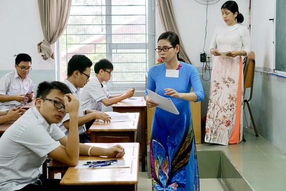 Sáng 2-6, hơn 87.000 thí sinh bước vào kỳ thi tuyển sinh lớp 10 công lập ảnh 1