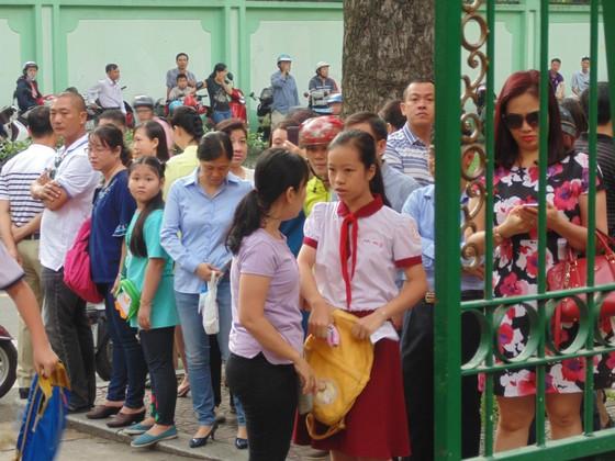 Hơn 4.000 thí sinh căng thẳng tranh suất vào lớp 6 Trường THPT chuyên Trần Đại Nghĩa ảnh 4