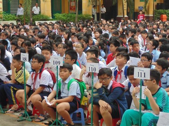 Hơn 4.000 thí sinh căng thẳng tranh suất vào lớp 6 Trường THPT chuyên Trần Đại Nghĩa ảnh 1