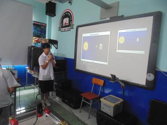 Học sinh trường Lê Quý Đôn hào hứng trải nghiệm cùng tiết học STEAM ảnh 8