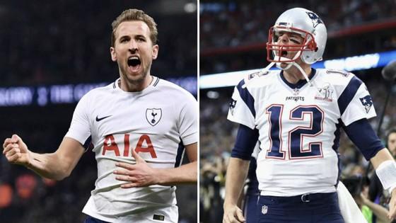 Harry Kane và thần tượng Tom Brady (phải).