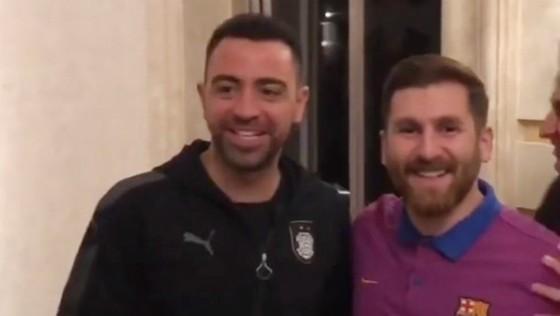 Chuyện của sao ngày 18-4: Xavi bắt gặp em sinh đôi của Messi ảnh 2