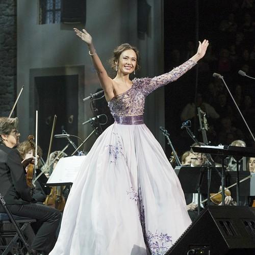 """""""Vẻ đẹp huyền bí"""" Aida Garifullina sẽ hát tại Lễ khai mạc World Cup 2018 ảnh 1"""