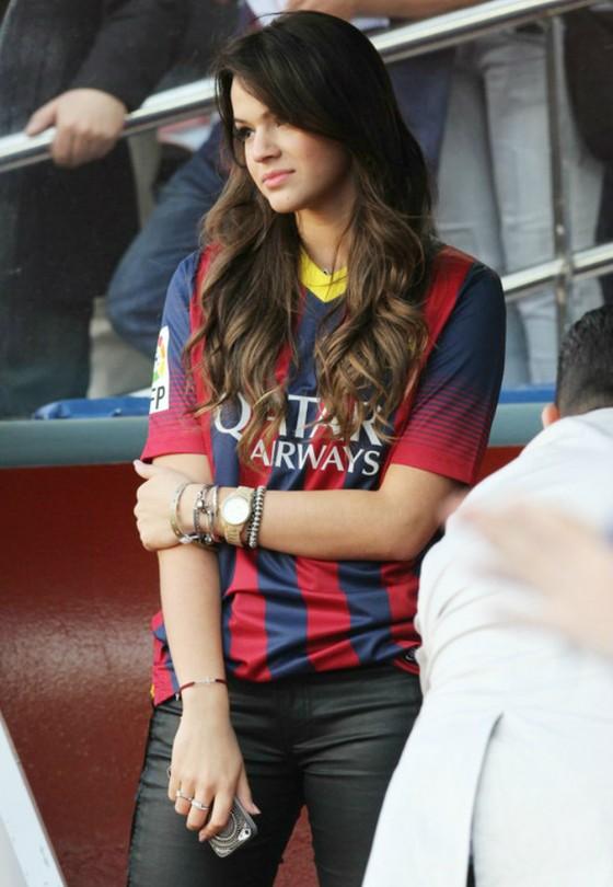 Người đẹp trên khán đài World Cup ảnh 5