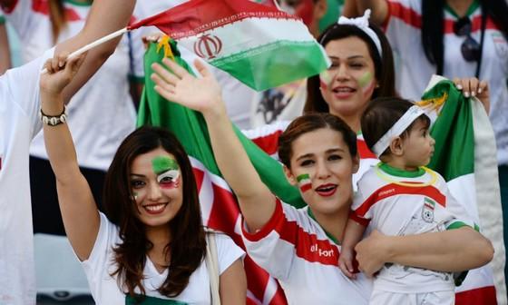 Người đẹp trên khán đài World Cup ảnh 7