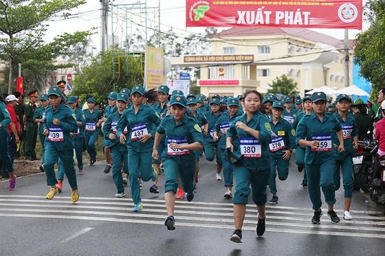 1.500 VĐV chạy Việt dã mừng 40 năm Cần Giờ sáp nhập với TPHCM ảnh 2