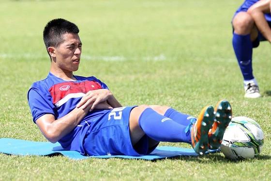 Trung vệ Đình Trọng sẽ kịp bình phục để sát cánh cùng đồng đội ở vòng loại U.23 châu Á. Ảnh: MINH HOÀNG