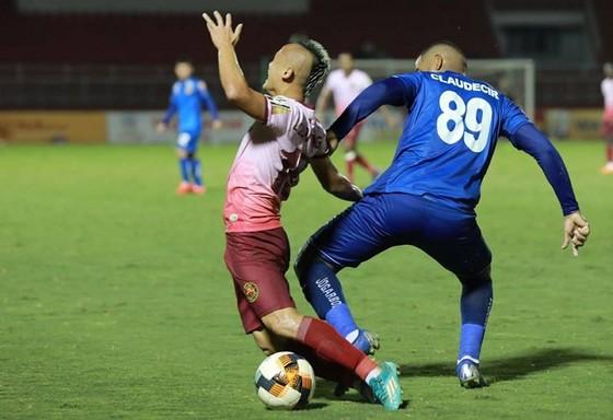 Chia điểm với Sài Gòn, Quảng Nam vẫn chưa biết thắng ở V-League 2019 ảnh 1
