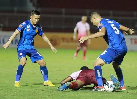 CLB Sài Gòn bị chia điểm trận thứ 2 liên tiếp trên sân Thống Nhất. Ảnh: NGUYỄN HOÀNG