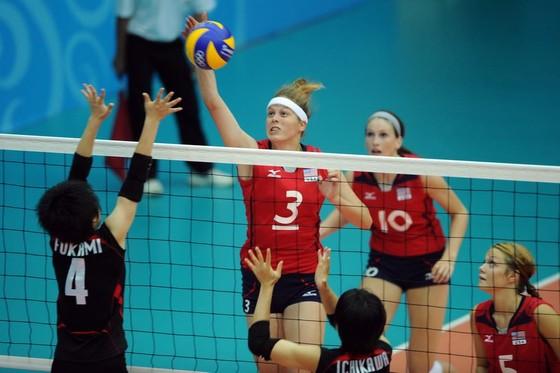 Chủ công Samantha Cash (3) từng cùng đội tuyển trẻ Mỹ đoạt HCB Olympic 2010.