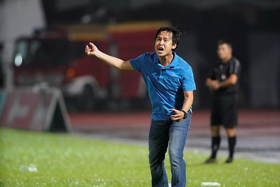 HLV Nguyễn Minh Phương đang khởi đầu mùa bóng khá thành công cùng Bình Phước. Ảnh: DŨNG PHƯƠNG