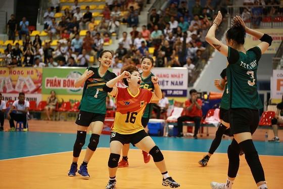 Cúp bóng chuyền nữ quốc tế VTV9 Bình Điền 2019: Nhọc nhằn vượt ải U.23 Thái Lan ảnh 5
