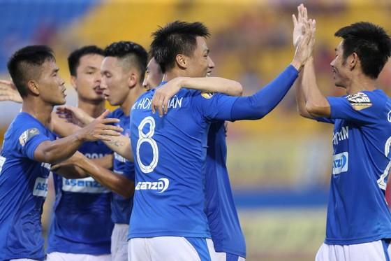 B.Bình Dương – Than Quảng Ninh 0-2: Đội bóng đất Thủ lại vào thế khó ảnh 1