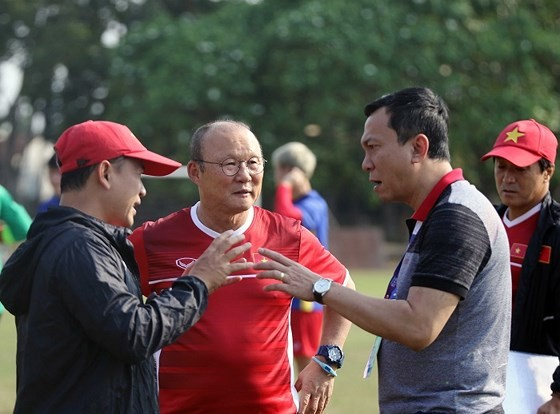 VFF sẽ đảm bảo để HLV Park Hang-seo nhận được chế độ đãi ngộ xứng đáng. Ảnh: MINH HOÀNG