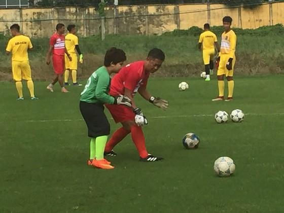 'Lò' đào tạo thủ môn tại TPHCM ảnh 2