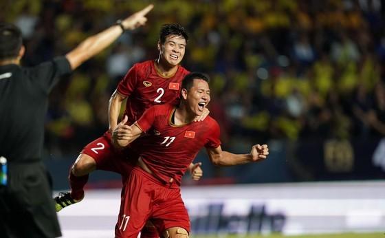 """Anh Đức """"xé"""" lưới Thái Lan ở King's Cup 2019. Ảnh: DŨNG PHƯƠNG"""