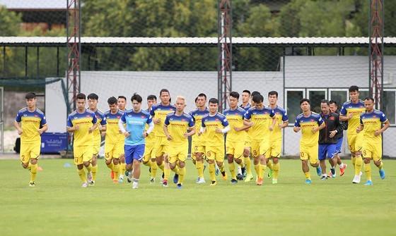 Đội tuyển Việt Nam tự tin chuẩn bị trên đất Thái Lan. Ảnh: MINH HOÀNG