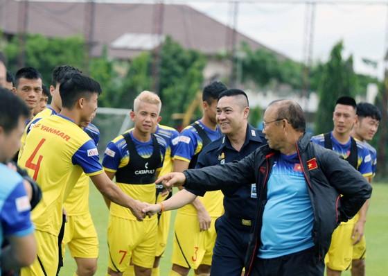 Vòng loại World Cup 2022: Thầy Park chỉ còn chờ Văn Hậu ảnh 2