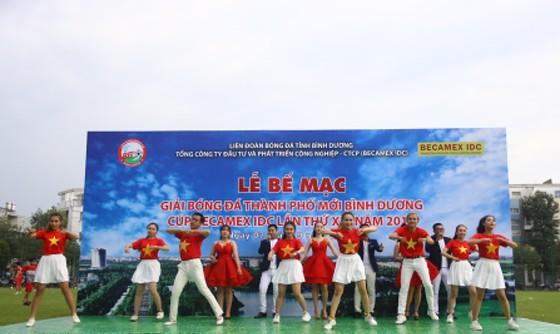CLB Hoàng Gia đăng quang giải bóng đá TP Mới Bình Dương - Cúp Becamex IDC 2019 ảnh 2