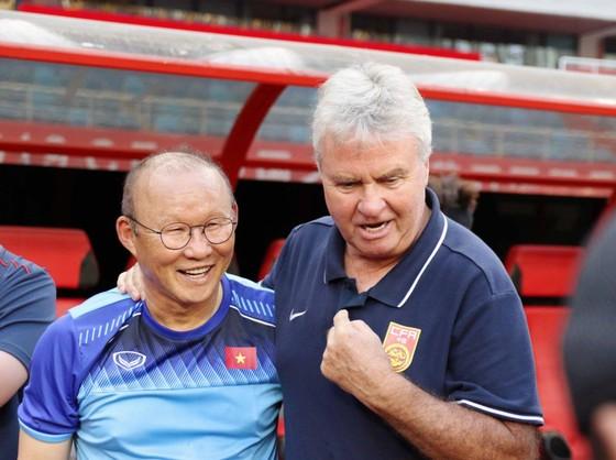 """Ông Park gặp lại """"phù thủy"""" Hiddink. Ảnh: Đoàn Nhật"""