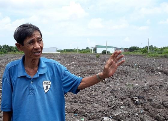Trưởng Phòng TN-MT và Chủ tịch UBND thị trấn Sông Đốc bị kỷ luật vì bồi thường sai ảnh 1