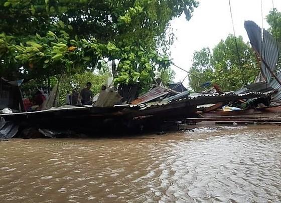 """Chủ tịch UBND tỉnh Cà Mau yêu cầu không để người dân sống trong cảnh """"màn trời chiếu đất"""" ảnh 1"""
