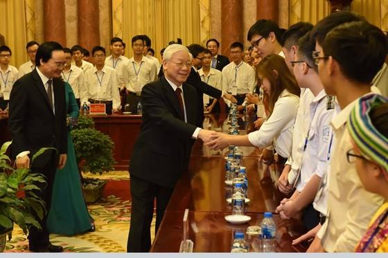 Tổng Bí thư, Chủ tịch nước Nguyễn Phú Trọng gặp mặt các học sinh-sinh viên tiêu biểu ảnh 1