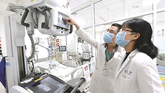 Bộ GD-ĐT: Vấn đề đào tạo bác sĩ chuyên khoa, nội trú nên đưa vào Luật Khám bệnh, chữa bệnh ảnh 2