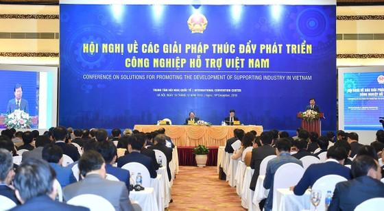 Thủ tướng: Kinh tế phải làm sao thành công như đội tuyển bóng đá Việt Nam ảnh 1