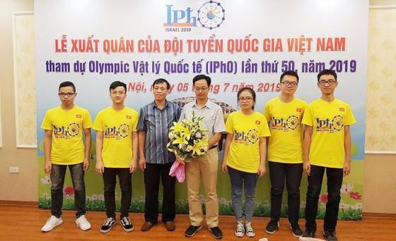 Việt Nam đoạt 3 Huy chương Vàng, 2 Huy chương Bạc tại Olympic Vật lý quốc tế 2019   ảnh 1