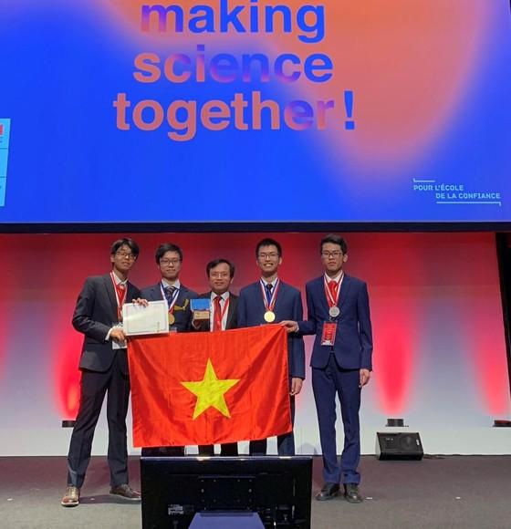 Việt Nam đoạt 2 Huy chương Vàng và 2 Huy chương Bạc tại Olympic Hóa học quốc tế ảnh 1