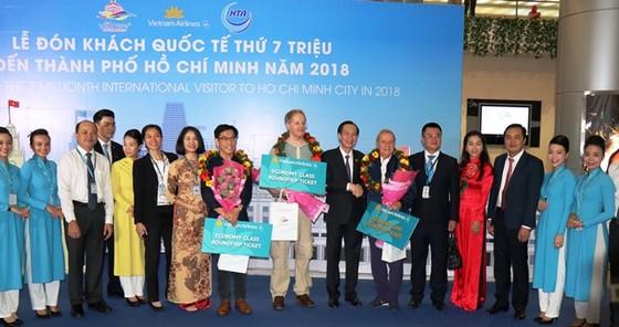 TPHCM đón vị khách quốc tế thứ 7 triệu ảnh 1