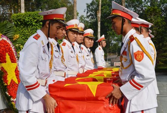 Truy điệu và an táng 6 liệt sĩ hy sinh trong Tổng tấn công và nổi dậy Xuân Mậu Thân 1968 ảnh 4