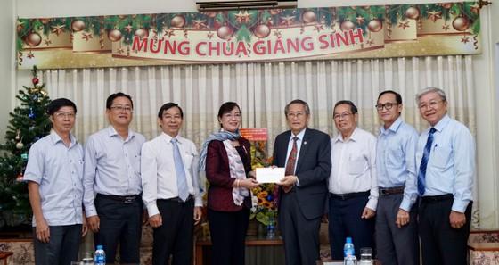 Chủ tịch HĐND TPHCM Nguyễn Thị Quyết Tâm thăm các vị chức sắc tôn giáo nhân lễ Giáng sinh ảnh 2
