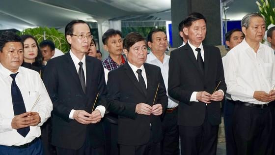 Bí thư Thành ủy TPHCM Nguyễn Thiện Nhân viếng Phó Chủ tịch UBND TPHCM Nguyễn Thị Thu ảnh 10