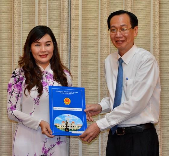 Bà Huỳnh Thị Tuyết Nhung làm Chủ tịch HĐTV Công ty TNHH MTV Dịch vụ cơ quan nước ngoài ảnh 2