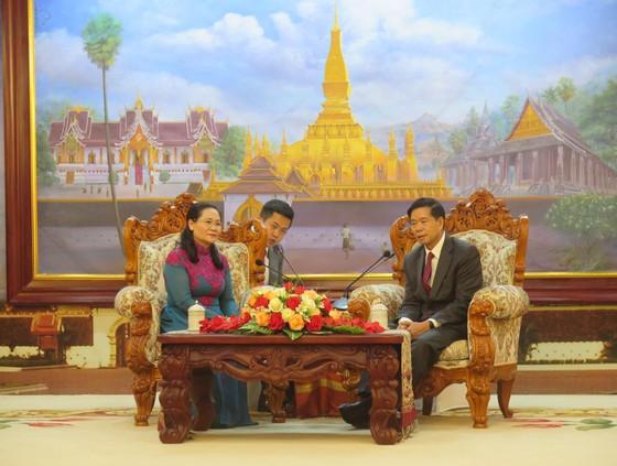 Đoàn đại biểu cấp cao TPHCM bắt đầu chuyến thăm Lào ảnh 1