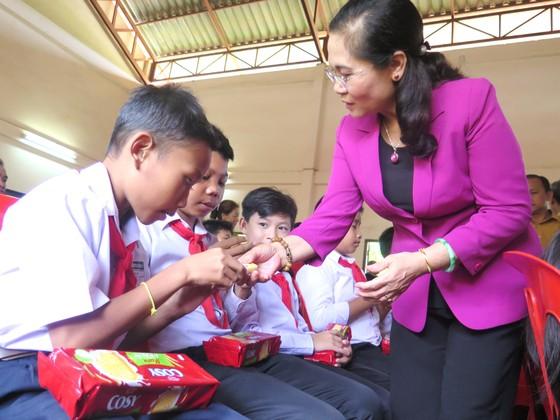Lào đề nghị HĐND TPHCM chia sẻ kinh nghiệm phối hợp với chính quyền ảnh 6