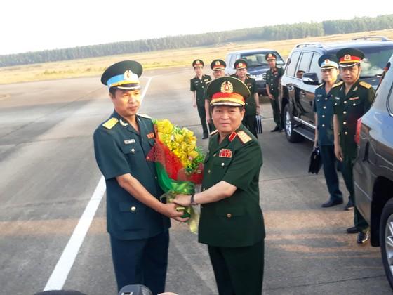 Đại tướng Ngô Xuân Lịch làm việc với ban quản lý Dự án xử lý dioxin tại sân bay Biên Hòa ảnh 1