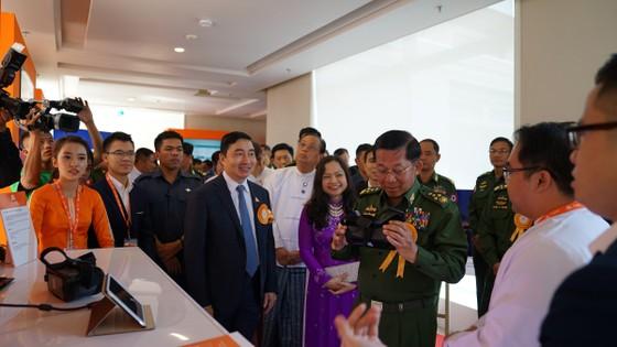 Viettel tại Myanmar thực hiện cuộc gọi đầu tiên ảnh 1