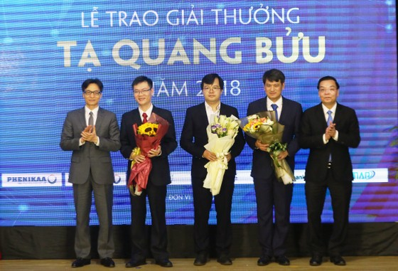 Vinh danh 3 nhà khoa học đoạt giải thưởng Tạ Quang Bửu 2018 ảnh 1