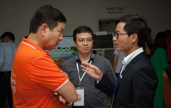 Lãnh đạo FPT, Viettel, VNPT thảo luận với 100 trí thức trẻ người Việt về chiến lược quốc gia 4.0 ảnh 2